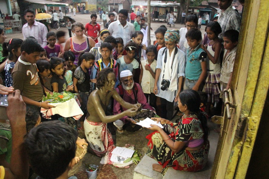 43 Samudra Kajal Saikia Performing Jhini Jhini Chadariya