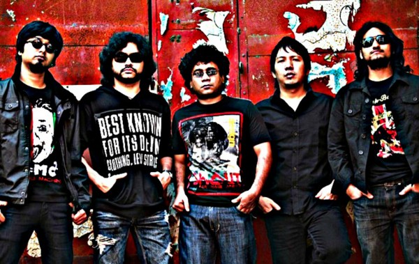 Fossils-band_feature