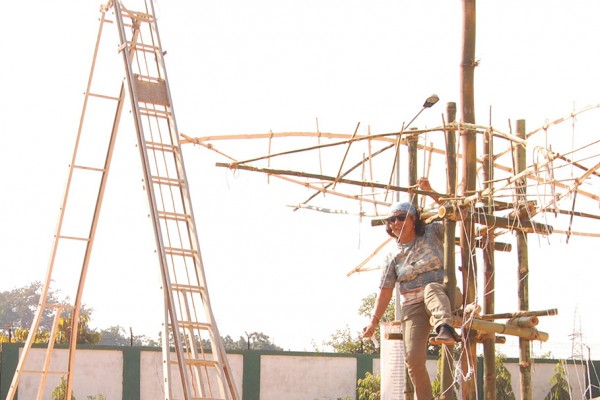 010 Artist at work